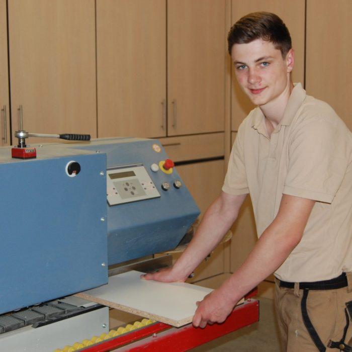 Niklas Cluse Tischlergeselle der 3D CNC Tischlerei Cluse