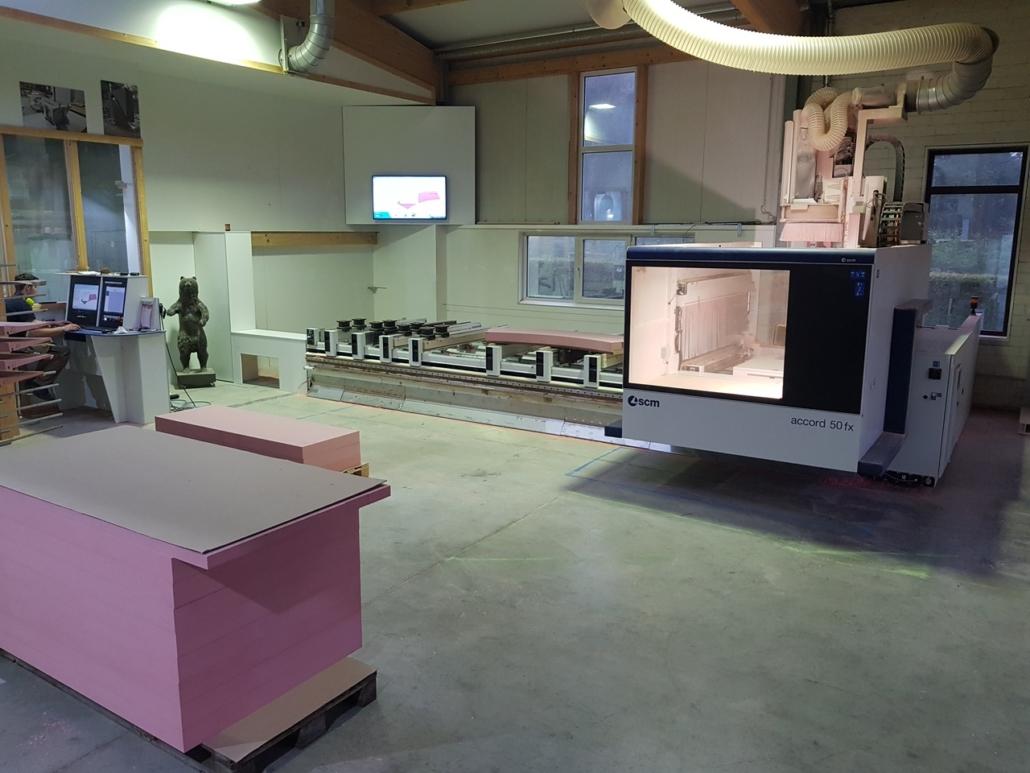 Unsere dritte Fünf-Achs-CNC Maschine seit Juni 2018 im Einsatz