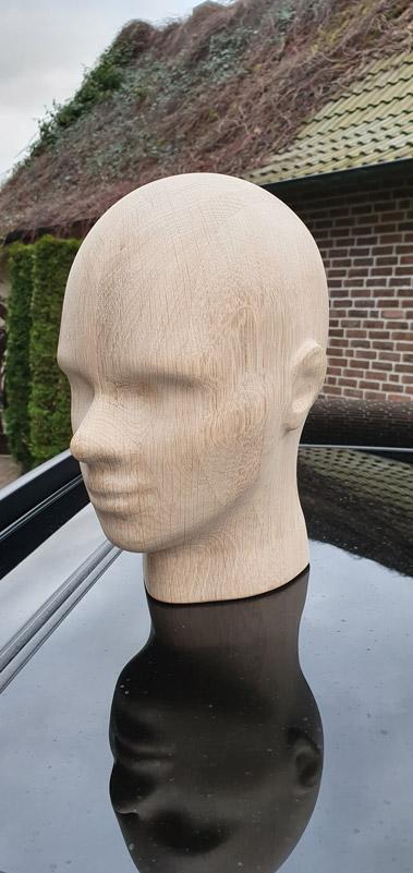 3D-CNC-Tischlerei-Holzkopf-konstruiert-und-aus-Eiche-ausgefräst