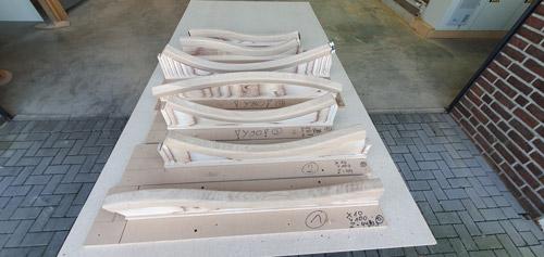 3D-CNC-Tischlerei-geschwungener-Handlauf-auf-Schablonen-2